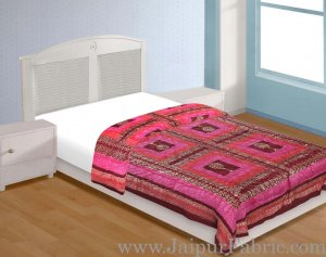 Magenta And Orange  Base Check Golden Print Fine Cotton Single Bed Quilt