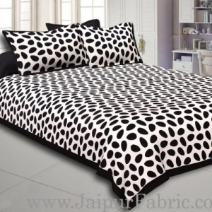 Black Border White Base Cow Print Cotton Double Bed Sheet