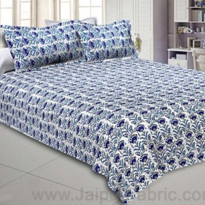 Double Bedsheet Blooming Blue Flowers Print