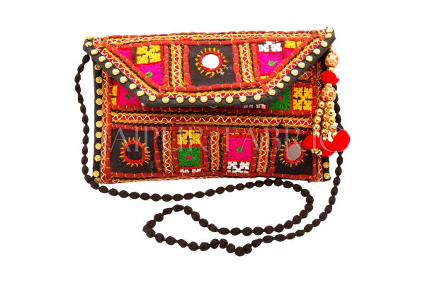 52ee18b5e244 Fashionable bags are always welcomed by females  especially handmade bag  from Jaipur stand out in crowd for its creative decorative designs.