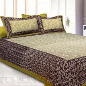Olive Border White Base Zig Zag  Pattern Screen Print Cotton Double Bed Sheet