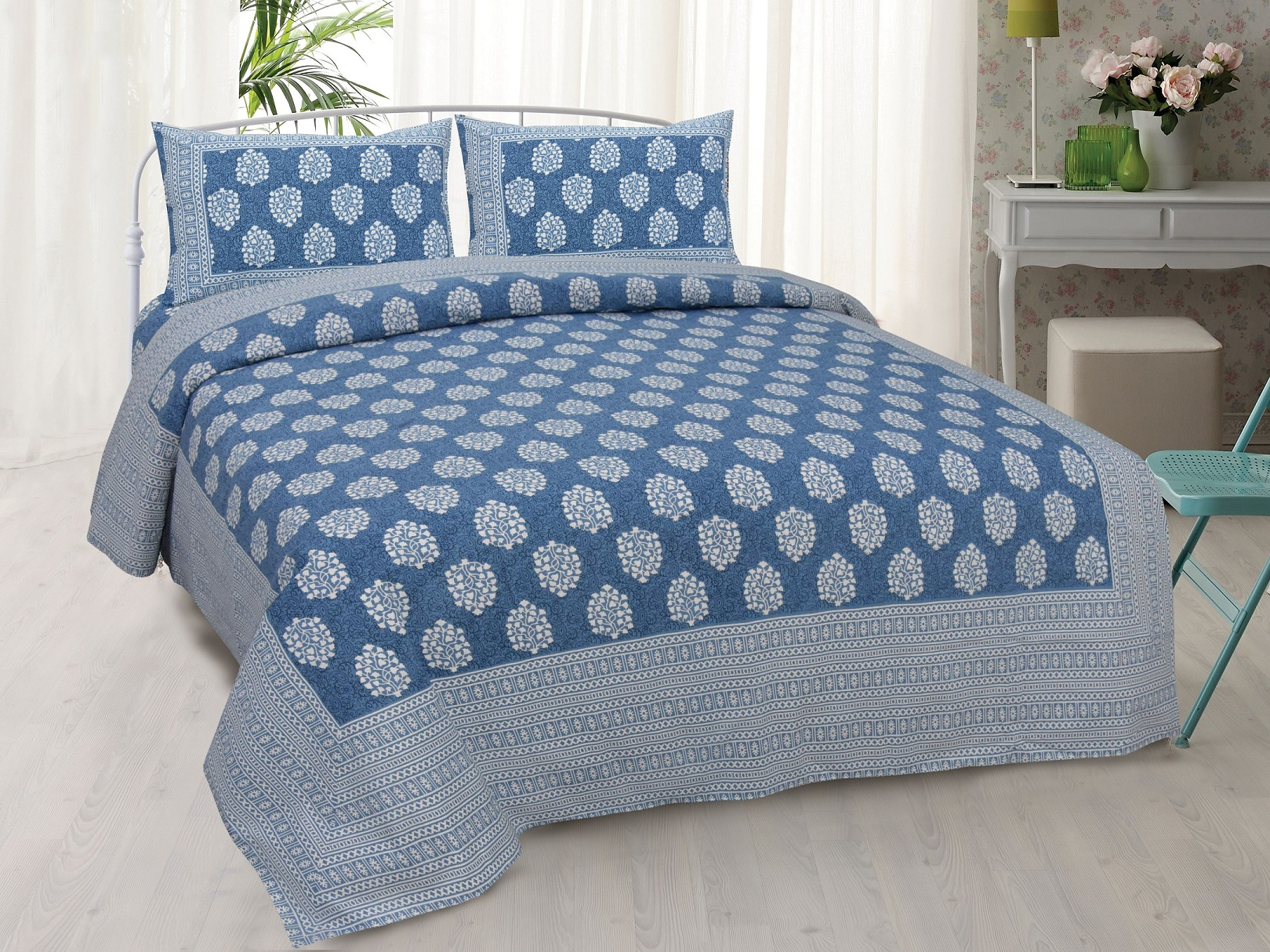 Blue Traditional Badge Double Bedsheet