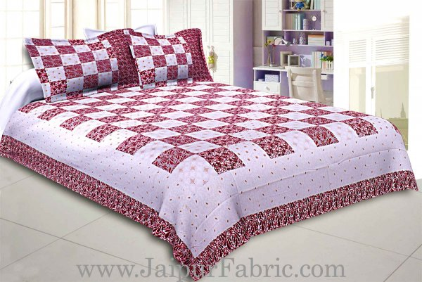 Double Bedsheet Checkered Maroon Golden Print