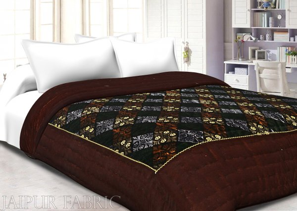 Brown Border Golden Dori Flower In Check Print Velvet(Shaneel) Double Quilt